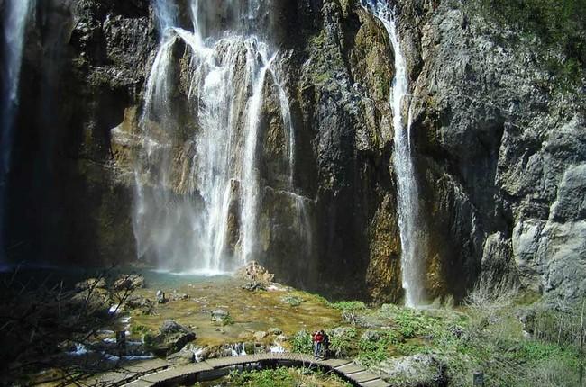Croatia motorbike tour- Plitvice Lakes