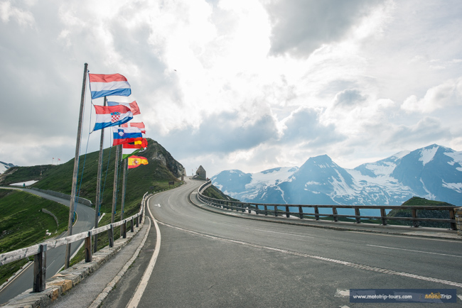 Approaching the Edelweisspitze