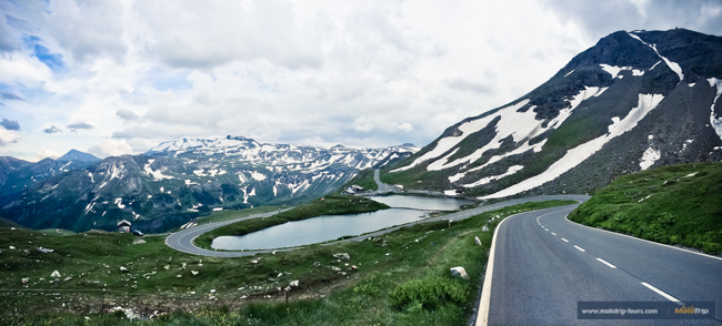 Grossglockner high alpine road- lake in the middle