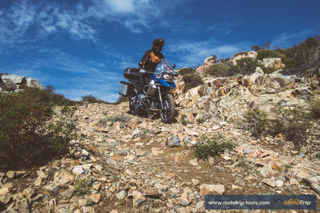 Off-road in Corsica, R1200GS and rocks